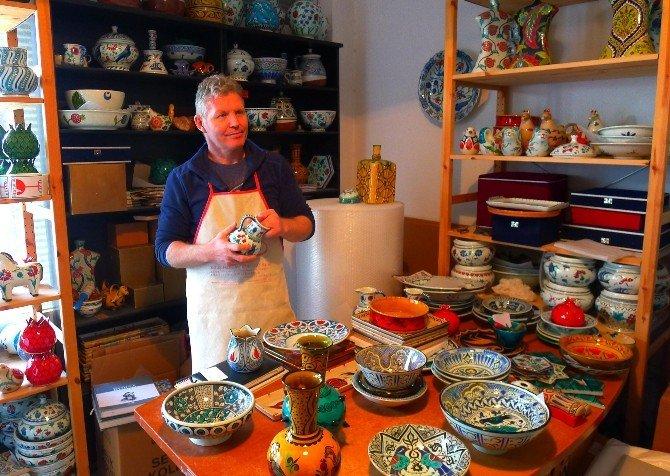 Bursalı Çini Sanatçısı Santa Fe'deki Sergiye Hazırlanıyor