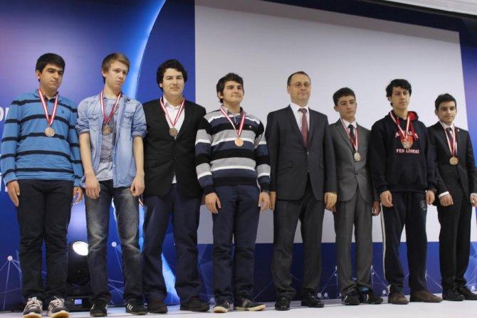 TÜBİTAK'tan Yamanlar'a 14 madalya