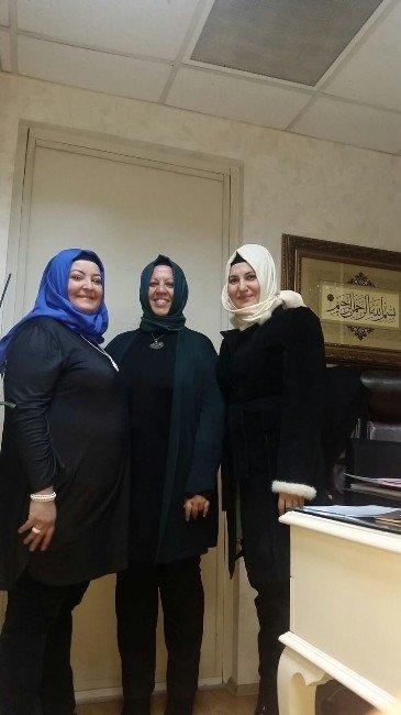 Başkan Aksoy'un Eşinden İBB Başkanı Topbaş'ın Eşine Ziyaret