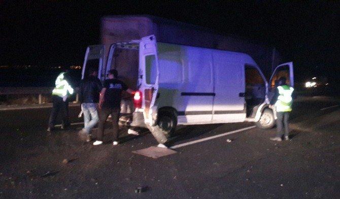Sığınmacıları Taşıyan Araç Kaza Yaptı: 5 Yaralı