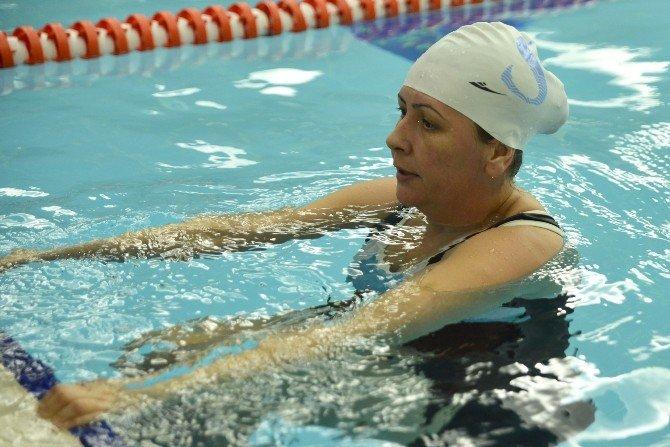 Engelliler Su Sporlarında Başarıya Kulaç Attı