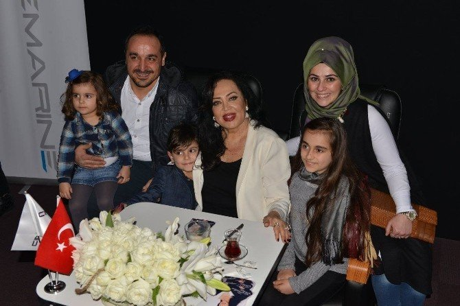 Türkan Şoray'la Selfie Yarışı