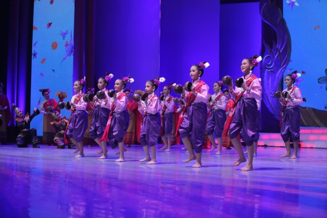Tayland'da Uluslararası Dil ve Kültür Festivali coşkusu