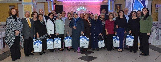 Yunusemre Belediyesi'nden 30 Yıllık Evli Çiftlere Jest