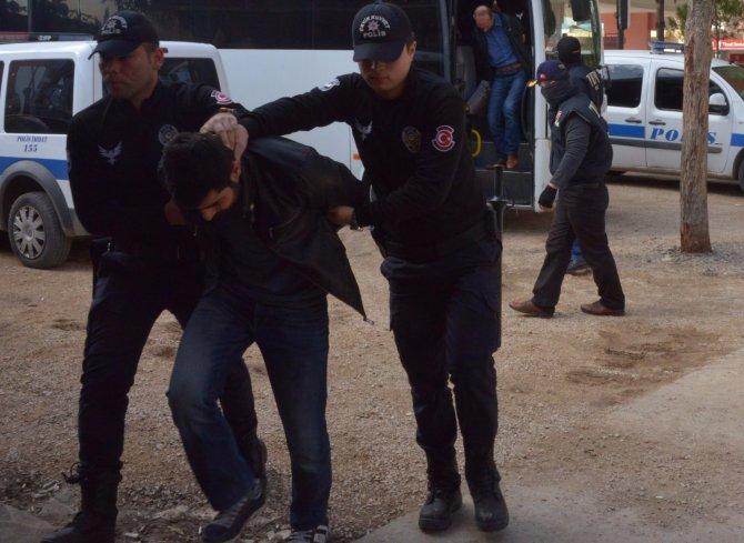 Terör örgütü üyesi 5 kişi adliyeye sevk edildi
