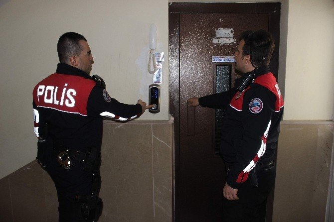 Asansörde Mahsur Kalan Çocuklar Kurtarıldı