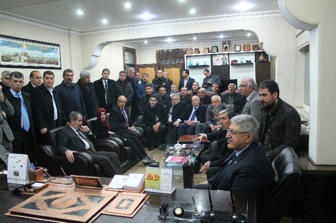 Demiröz'den Ahlat Belediyesi'ne Ziyaret