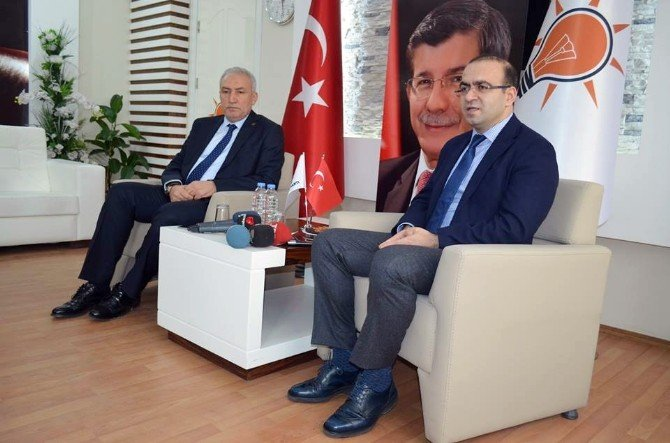 AK Parti Malatya Milletvekili Taha Özhan: