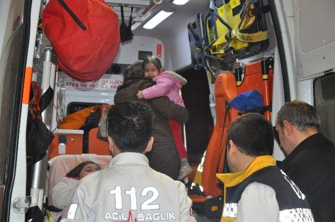 Anne-kız Kazada Yaralandı, Baba Başlarından Bir An Olsun Ayrılmadı