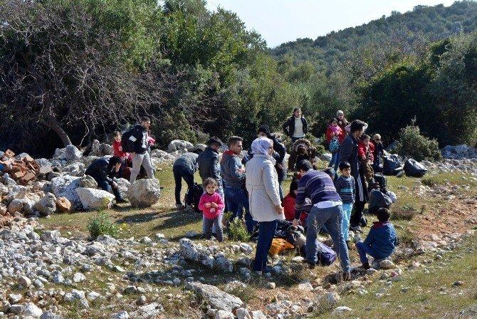 Antalya'da Mülteci Operasyonu: 92 Mülteci Yakalandı, 8 Gözaltı