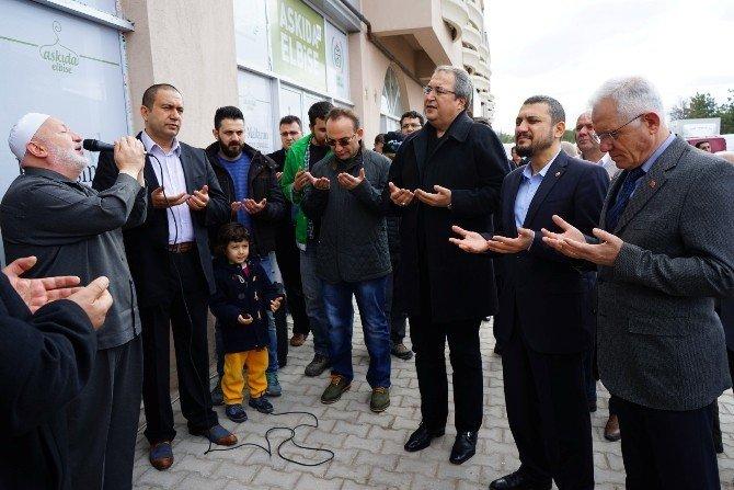 Askıda Elbise Projesi Nevşehir Belediyesi'nin Katkıları İle Hayata Geçti