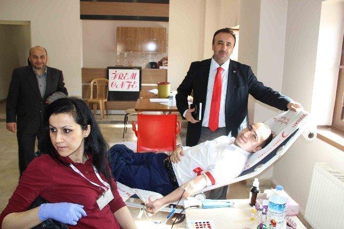 Çaycuma'da Kan Bağışı Kampanyasına Vatandaşlardan Büyük İlgi