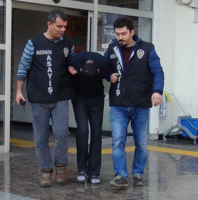 Cep Telefonu Hırsızı Önce Kameralara Sonra Polise Yakalandı