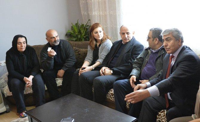 CHP İstanbul İl Örgütü'nden Dilek Doğan'ın ailesine destek ziyareti