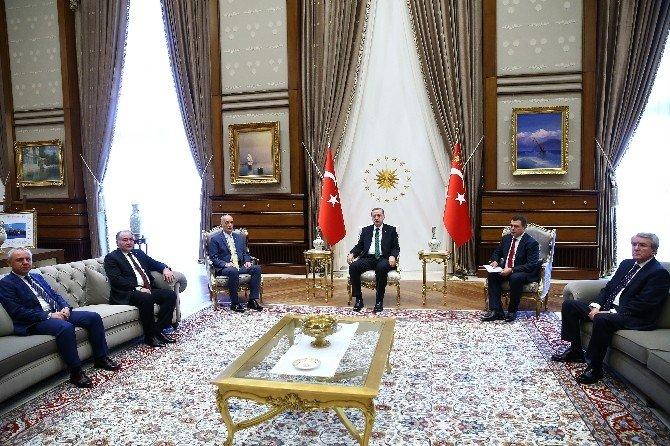 Cumhurbaşkanı Erdoğan, Türk-iş Genel Başkanı Atalay'ı Kabul Etti