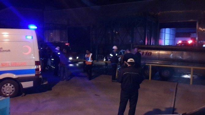 Fabrikada Çıkan Yangında 3 İşçi Hastaneye Kaldırıldı