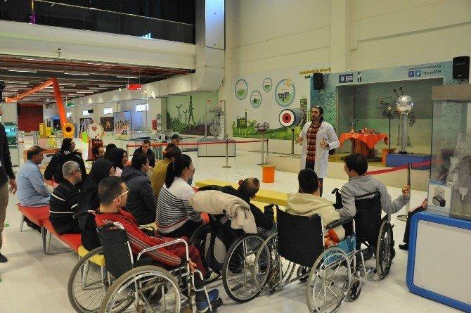 Engelli Gençlerin Bilim Teknoloji Keyfi