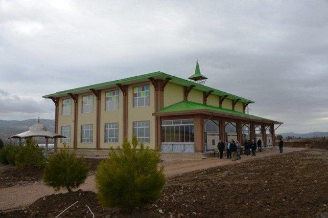 Gediz Organize Sanayi Bölgesi Camii İbadete Açıldı
