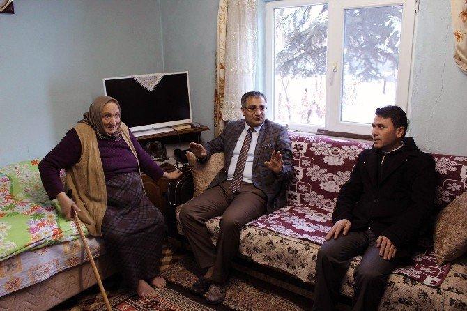Kelkit Kaymakamı Yavuz'dan Yaşlılara Ziyaret
