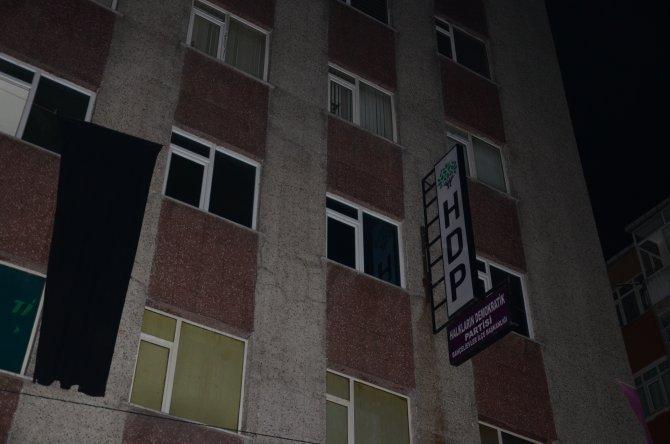 İstanbul'da HDP'nin 3 ilçe binasında arama