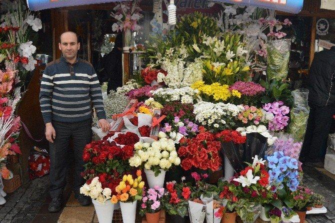 Sevgililer Gününde Çiçekçiler Satışlardan Memnun Kalmadı