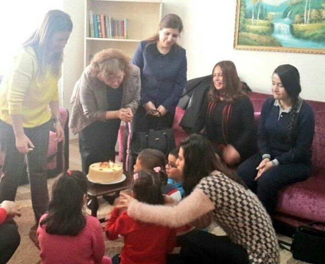 Gül Düzgün'den Çocuk Evleri Ziyareti