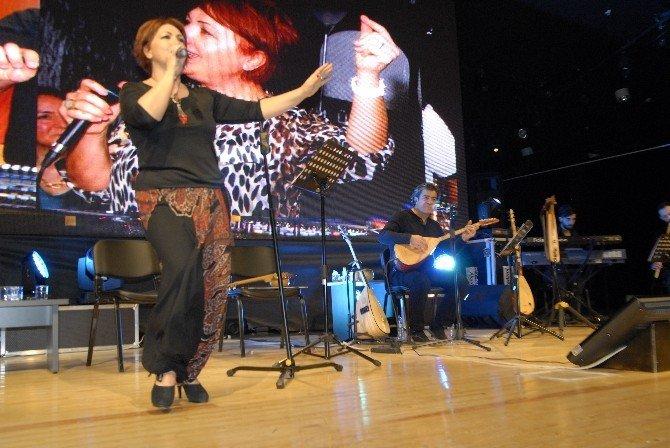 Doktor Karaoğlu Çifti Konser Verecek