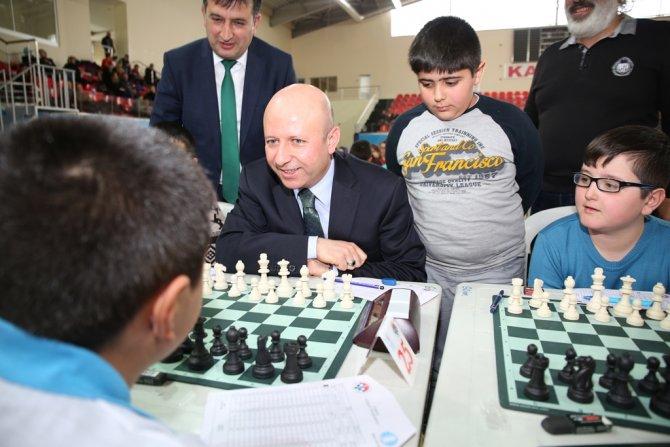 Okullar arası satranç yarışması başladı