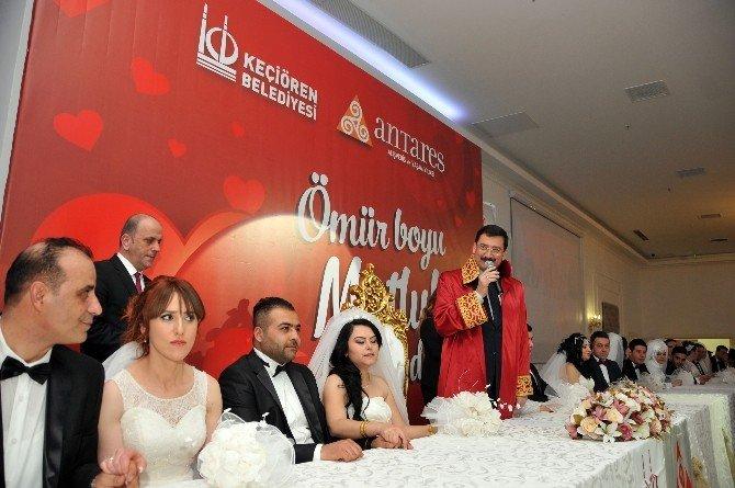Başkan AK, 14 Şubat'ta 14 Çifti Evlendirdi