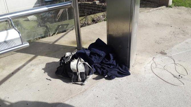Şüpheli çantadan iş elbisesi çıktı
