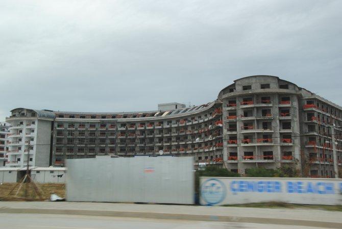 Kontrolsüz yatak artışı sezon öncesi Antalya turizmini zor durumda bıraktı