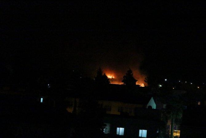 Nusaybin'de iki okul binası ateşe verildi