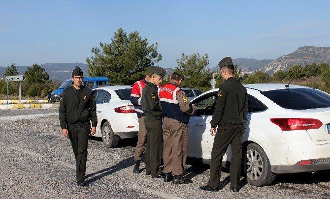 Jandarma Denetimlerini Sürdürüyor