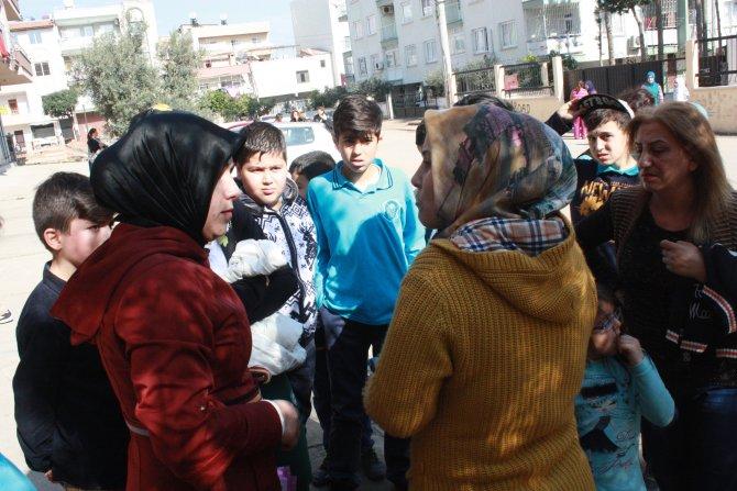 Veliler, tacizle suçlanan yöneticinin görevden alınmamasını protesto etti