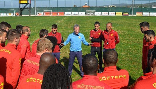 Göztepe'de Teknik Direktör Özen ilk antrenmana çıktı