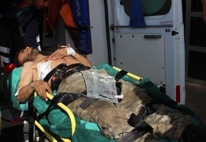 Rus Uçakları Azez'de Hastane Ve Okulu Vurdu: 15 Ölü, 50 Yaralı