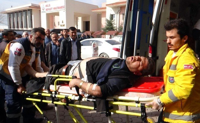 Rus Uçakları Azez'de Hastane Ve Okulu Vurdu