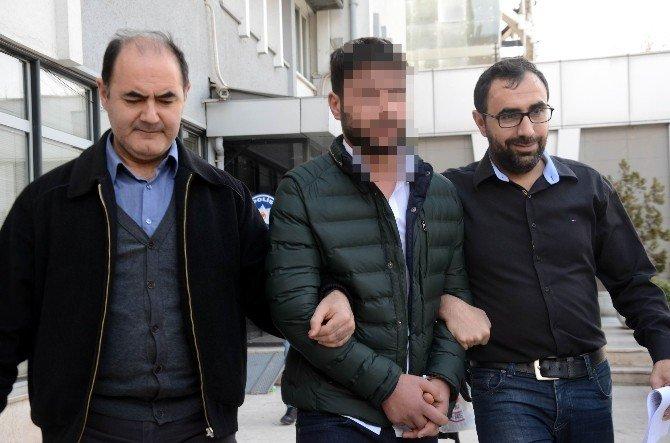 Sahte Polis, Gerçek Polisler Tarafından Suçüstü Yakalandı