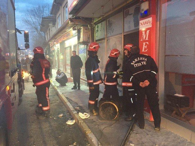 Medikal Dükkanında Yangın