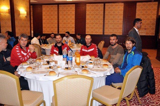 Yozgatspor Ve Sorgun Belediyespor'a Moral Yemeği