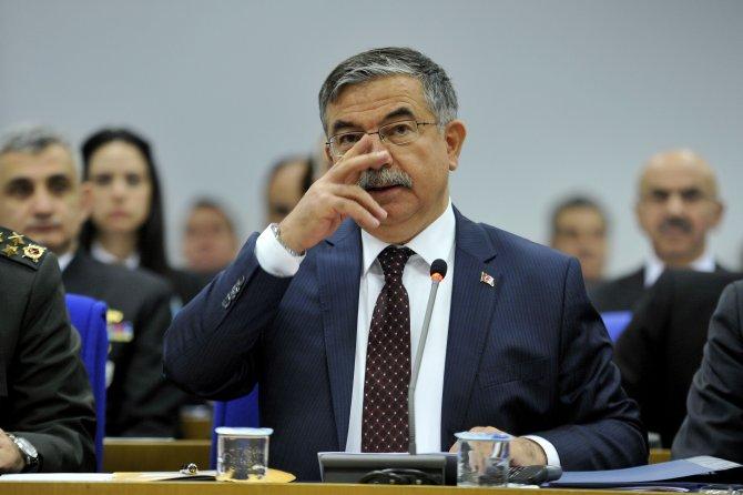 Milli Savunma Bakanı Yılmaz: Güvenliğe tehdit oluşunca buna cevap verilir