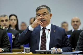 Savunma Bakanı 'savaş' sorularını cevapladı