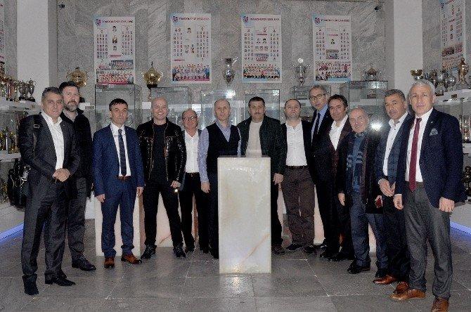 Muharrem Usta Ve Yönetim Kurulu Trabzonspor Müzesini Ziyaret Etti