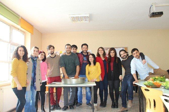 TEGV Gönüllüleri Çiğköfte Etkinliğinde Bir Araya Geldi