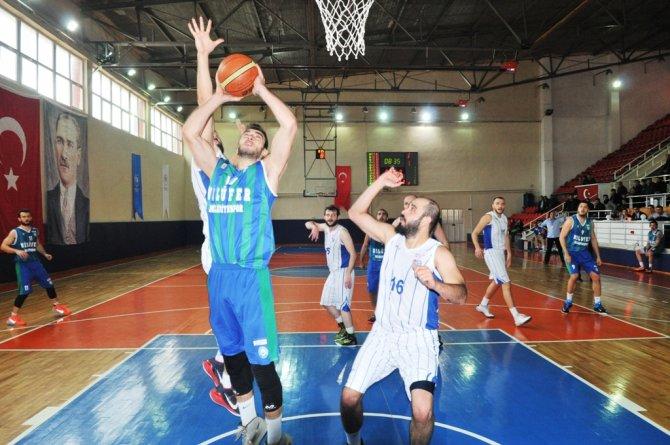 Nilüfer Belediyespor basketbolda iddiasını sürdürüyor