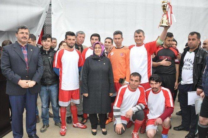 Futbol Federasyonu'ndan Yavaşlar Köyüne Halı Saha