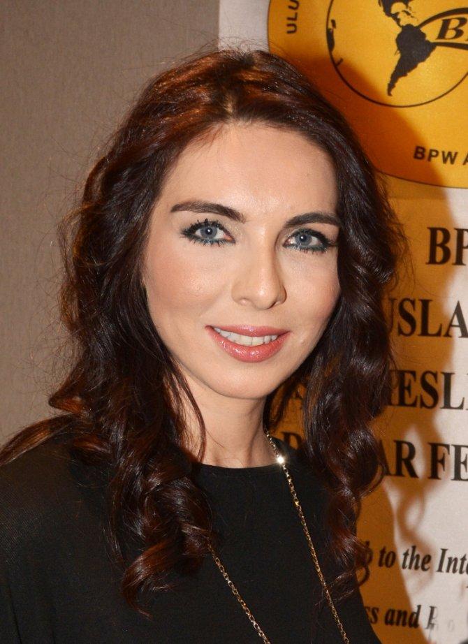 Yazar Deray Yurdakul, iş kadınlarına mutluluğun formülünü anlattı