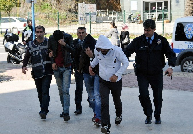 Antalya'da Doktora Şiddet