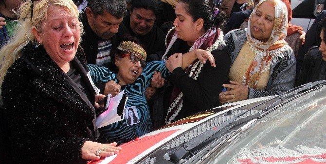Platonik Aşık Kurbanı Türkan'ın Duvaklı Tabutunu Kadınlar Taşıdı