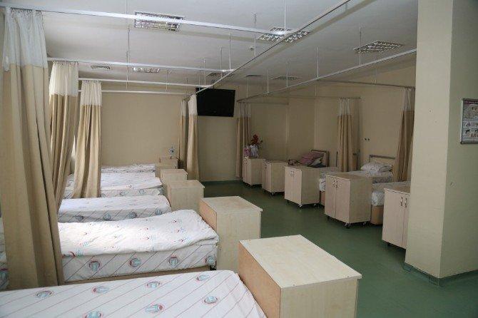 Erzurum Bölge Eğitim Ve Araştırma Hastanesi Yenidoğan Ünitesi Bebek Ve Anneleri Misafir Gibi Ağırlıyor